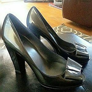 Stuart Weitzman Ladies platform heels 9m